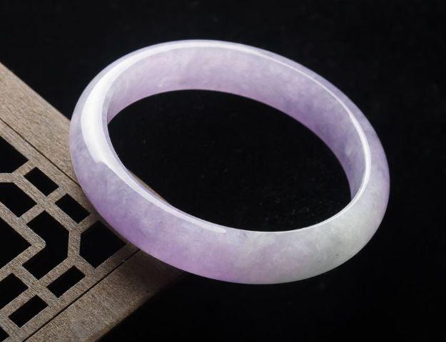 紫罗兰翡翠手镯收藏价格贵吗   怎样挑选紫罗兰翡翠手镯