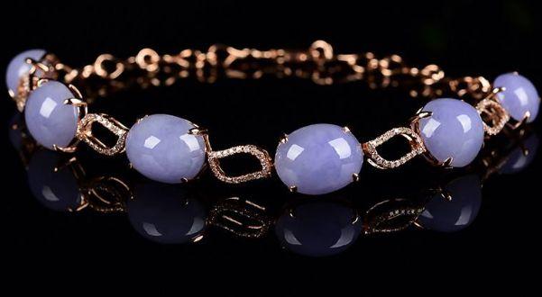 紫罗兰翡翠手链对人体有什么好处吗  紫罗兰翡翠手链寓意是什么