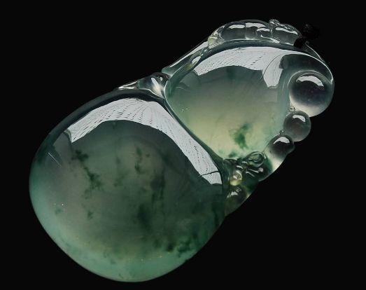翡翠保养的六大误区   翡翠保养能用肥皂水清洗吗
