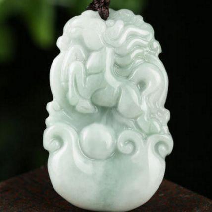 最全翡翠雕刻寓意含义详解 看看你的翡翠雕刻是什么寓意