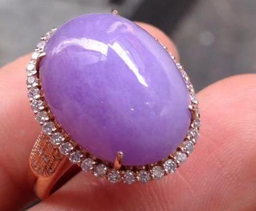 紫罗兰翡翠拍卖价格及行情分析  紫罗兰翡翠值多少钱