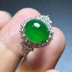 选购翡翠戒指需要注意什么  老坑种翡翠戒指真假鉴别方法