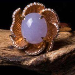 紫羅蘭翡翠鉆戒戒指真偽識別方法   翡翠戒指怎樣估價