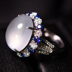 如何选择适合自己的翡翠戒指  翡翠戒指有什么特征和寓意