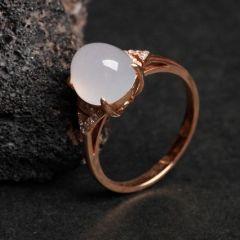 鑲嵌翡翠戒指應該怎樣挑選  翡翠戒指最新價格是多少