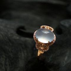 怎样挑选适合自己的翡翠戒指款式  翡翠戒指选购指南