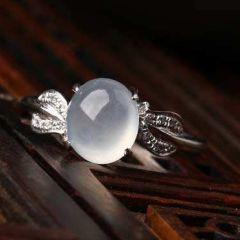 挑选翡翠戒指有什么技巧  如何选到满意翡翠戒指