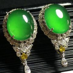购买帝王绿翡翠要看哪里  帝王绿翡翠值多少钱