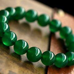 如何让翡翠越戴越绿   翡翠日常保养技巧和要领