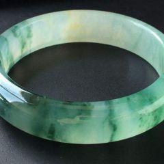 翡翠玉器要怎样养好  翡翠盘养三种方法