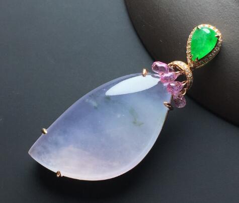 夏天要怎么保养翡翠水滴挂件   翡翠水滴挂件的保养技巧