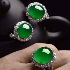 翡翠戒指有什么款式和颜色  翡翠戒指选购小常识