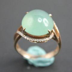 怎样选择一款合适翡翠戒指呢   翡翠戒指考虑哪些方面