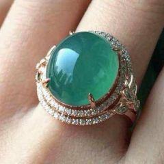 翡翠戒指价格一般是多少  怎样鉴别翡翠戒指真伪