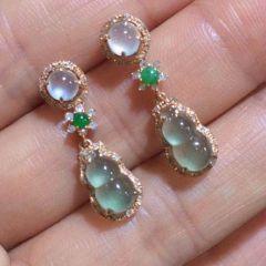 玻璃种满绿首饰单价一般是多少钱  如何辨识翡翠种