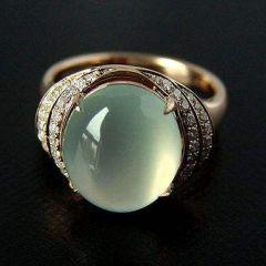 翡翠戒指图片及鉴赏  翡翠戒指有哪些选购要点