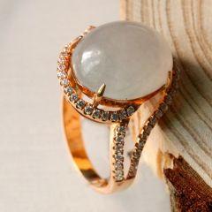 翡翠戒指有什么特性  翡翠戒指选购方法和价值分析