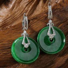 翡翠耳环造型及款式介绍  翡翠耳环选购要注意什么