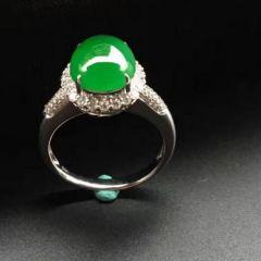 翡翠戒指有什么款式和类型  翡翠戒指选购要点