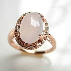 翡翠戒指有什么种类和款式   翡翠戒指挑选技巧