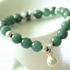 如何挑选合适自己的翡翠珠链款式  翡翠珠链寓意