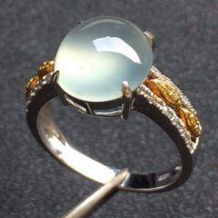 挑選冰種翡翠戒指要注意哪些   翡翠戒指顏色好壞怎么分辨