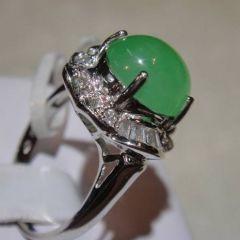 翡翠天使究竟是什么  怎样挑选合适翡翠戒指