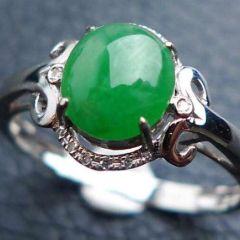 佩戴翡翠戒指有什么讲究的  看手型选翡翠戒指