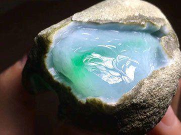 不可不看的图解翡翠原石鉴别知识 看完不会被坑!