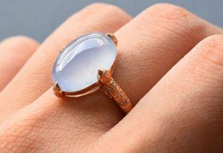 翡翠戒指选购有哪些原则  翡翠戒指真伪鉴定要点