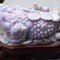 A货紫罗兰金蟾的辨别方法  翡翠金蟾寓意