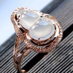 如何观察冰种翡翠戒指颜色  选购冰种翡翠戒指要点