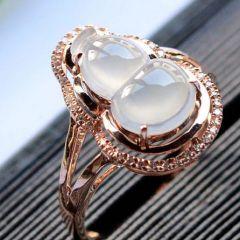 翡翠戒指戒面应该怎样挑选  怎么判断翡翠戒面价格