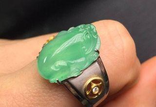 根据肤色如何挑选翡翠戒指  翡翠戒指搭配技巧