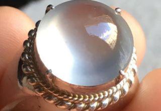翡翠戒指售价一般是多少  翡翠戒指选购知识