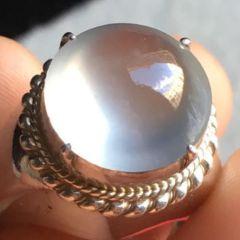 翡翠戒指售價一般是多少  翡翠戒指選購知識
