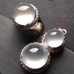 玻璃种翡翠戒面挑选技巧  翡翠戒指价格走势
