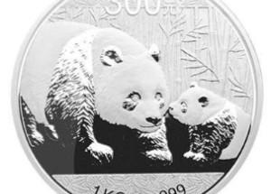 2011年熊猫一公斤银币受到市场热捧,收藏价值高