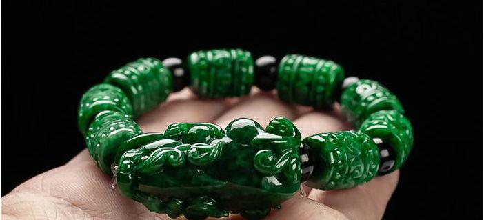 如何挑选翡翠貔貅手链?只需做好这4步就能选到优质翡翠貔貅手链!