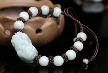翡翠貔貅的寓意大全介绍 佩戴翡翠貔貅手链能带来什么好处?
