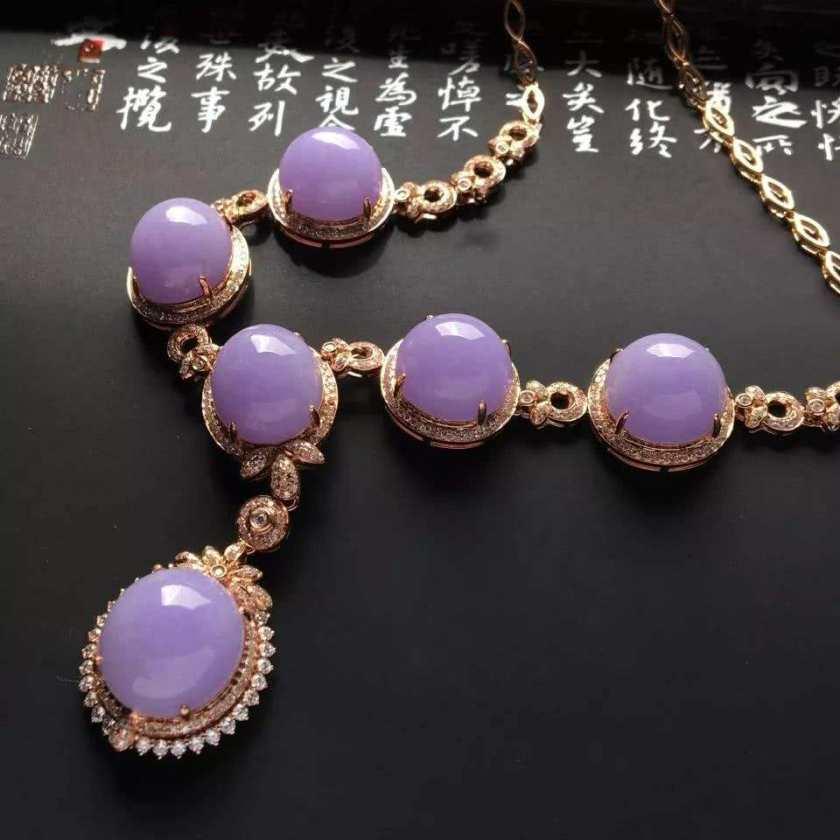 紫罗兰翡翠寓意是什么   紫罗兰翡翠收藏价值