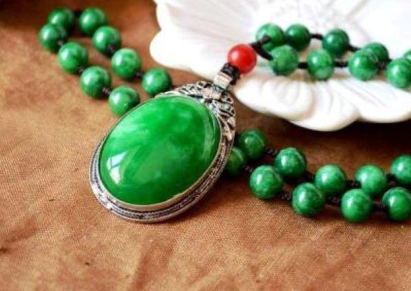 翡翠祖母绿价格 翡翠祖母绿价格最高吗