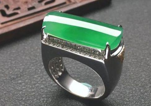 翡翠戒指怎么保养 翡翠戒指脏了怎么清洗