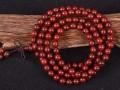 红木手串好还是小叶紫檀好 哪个比较贵