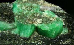 祖母绿翡翠原石 祖母绿翡翠原石值钱吗