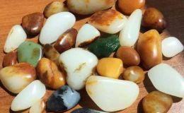 什么是和田玉垃圾籽料 和田玉垃圾籽料有价值吗