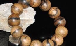 如何盘玩手串珠子 盘玩手串珠子的方法步骤是什么