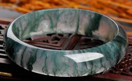 海草玉髓手镯价格 海草玉髓手镯一般什么价格
