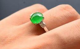 翡翠戒指的寓意 男女佩戴翡翠戒指的寓意是什么