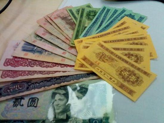 人民币兴发娱乐怎么卖 人民币如何变现